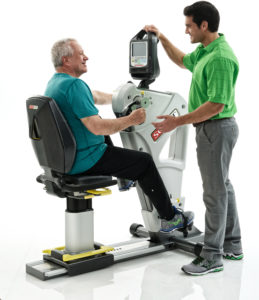 SCIFIT-PRO2-Total-Body-Premium-Seat-Older-older-male-model-with trainer_mr